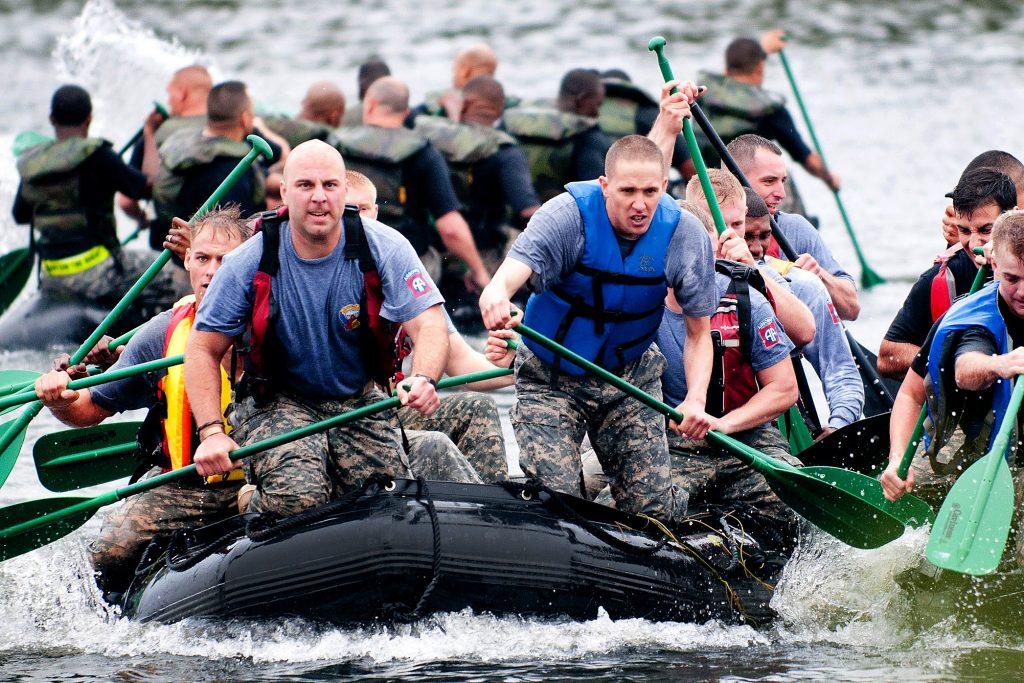 boat-teamwork-training-exercise-39621